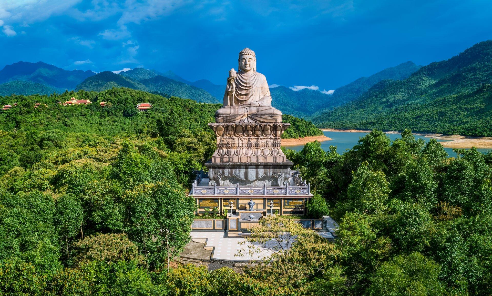 Thiền Viện Trúc Lâm Bạch Mã. Hình: Nguyễn Phong
