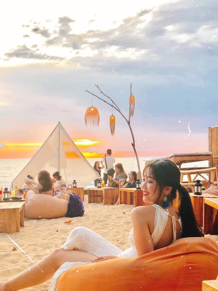 Ốc Sên Bar là một trong những địa điểm ngắm hoàng hôn cực chill - Nguồn ảnh: Internet