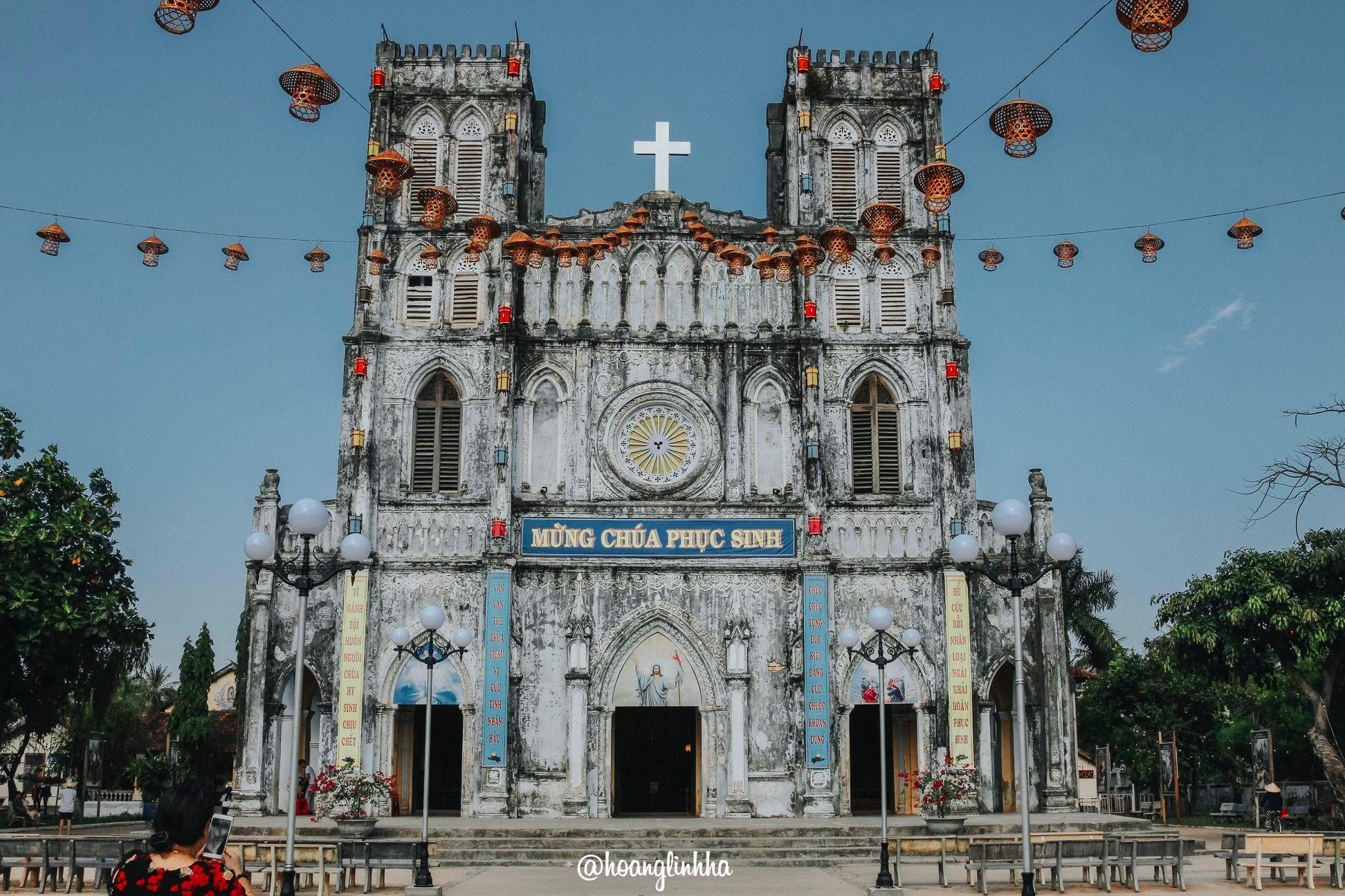 Nhà thờ Mằng Lăng. Hình: Hoàng Linh Hà