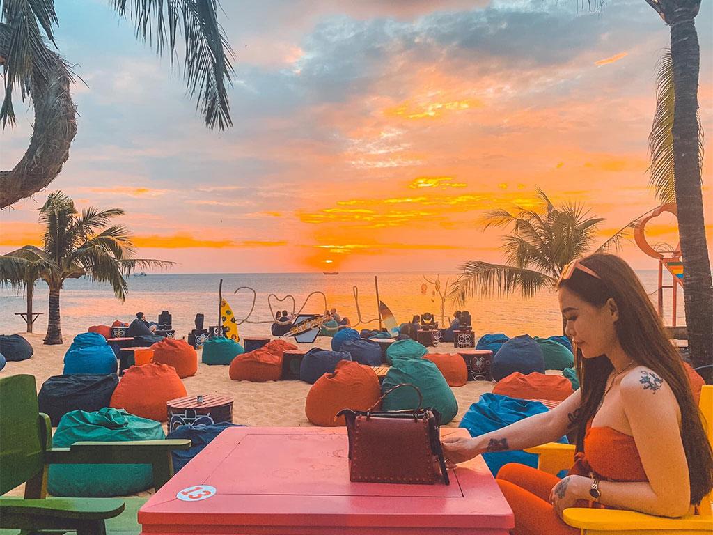 Ngắm hoàng hôn tại Tiki Bar Phú Quốc - Nguồn ảnh: Internet