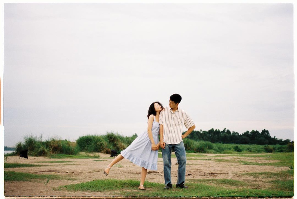 Chụp ảnh couple theo phong cách hoài niệm. Hình: @Tran3duy