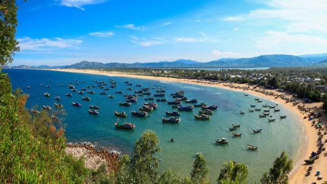 Vịnh Xuân Đài Phú Yên là nơi neo đầu của nhiều tàu thuyền. Ảnh: Internet