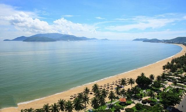 Vịnh Nha Trang Khánh Hòa dài và êm ả. Ảnh: Internet