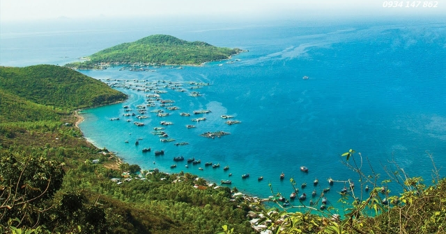 Vịnh Cam Ranh rộng lớn với nhiều hòn đảo như Bình Hưng, Bình Ba, Bình Lập. Ảnh: Internet