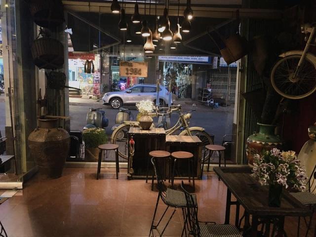 Lựa chọn phong cách Retro làm chủ đạo, 1984 Coffee mang đến một không gian hoài cổ và đầy xưa cũ