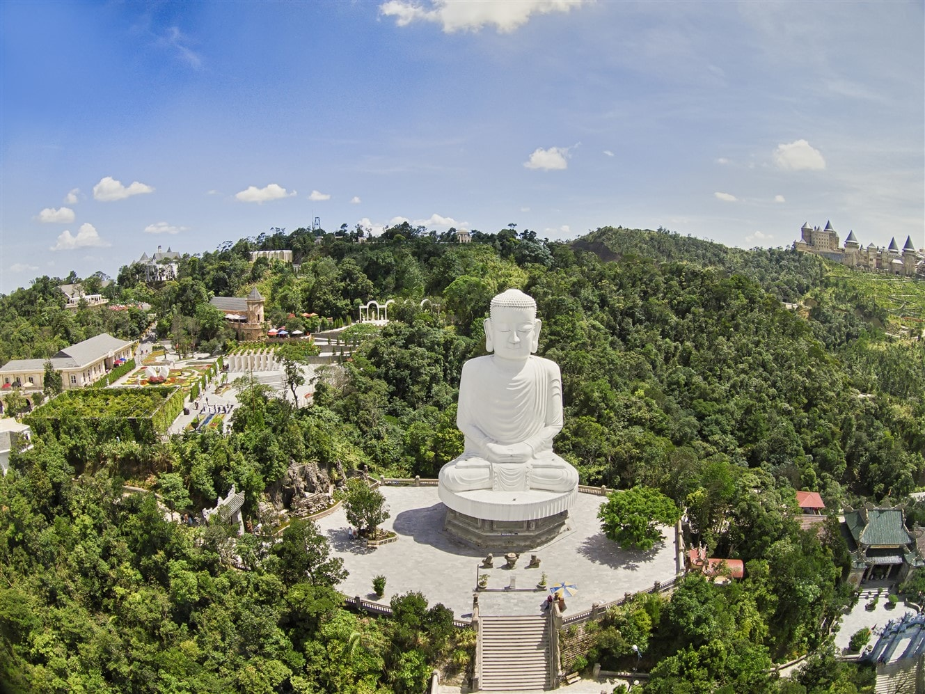Địa chỉ: Khu du lịch sinh thái Bà Nà – Suối Mơ, thôn An Lợi, xã Hòa Ninh, huyện Hòa Vang, TP. Đà Nẵng