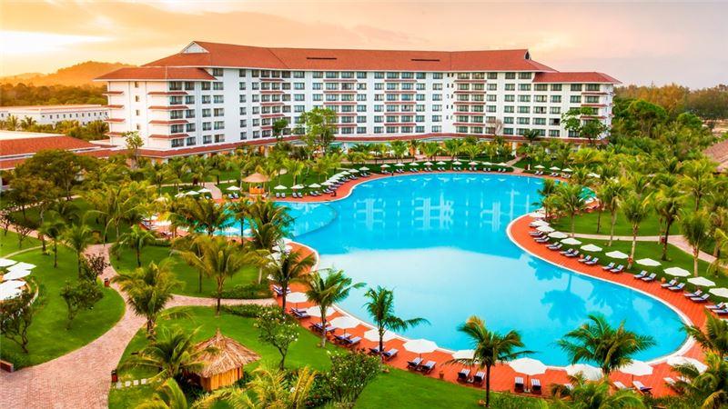 Vẻ đẹp của Vinpearl Resort Phú Quốc khi nhìn từ chính diện