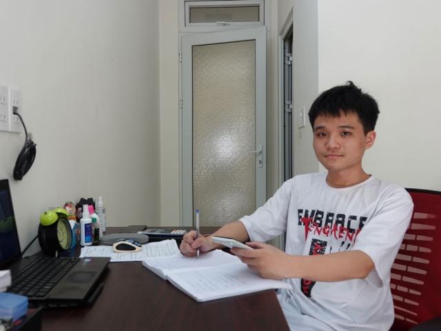 Thủ khoa khối B với điểm tuyệt đối cả 3 môn Nguyễn Lê Vũ. Ảnh: Internet