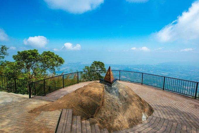 Tây Ninh: Tạm ngưng tuyến đường bộ leo núi Bà Đen