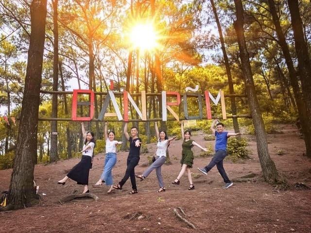 """Khu du lịch sinh thái Bản Rõm trở thành điểm đến """"hot rần rần"""" được nhiều bạn trẻ săn đón những năm trở lại đây"""