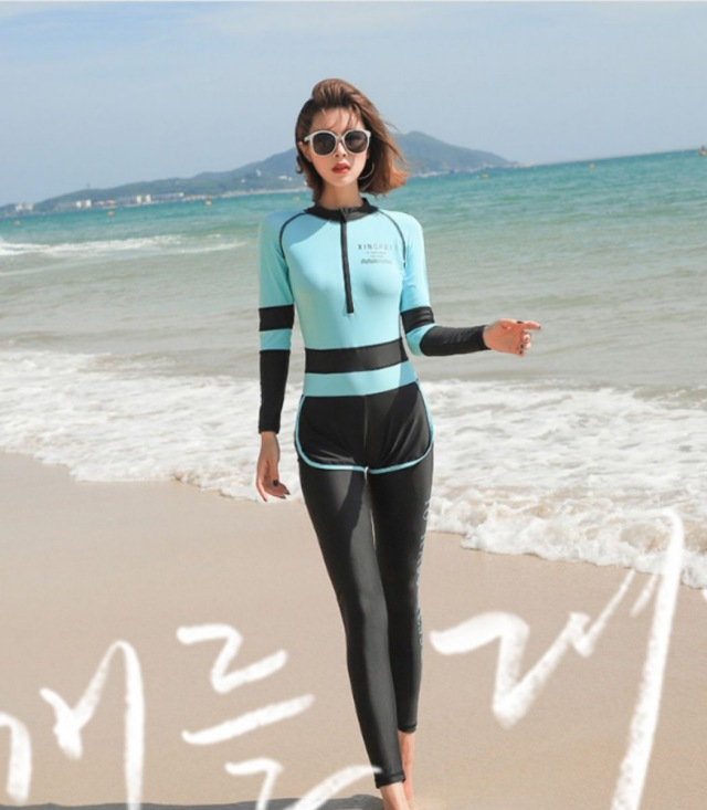 Bikini đi biển kín đáo giúp các nàng kém tự tin về hình thể thoải mái hơn. Ảnh: Internet