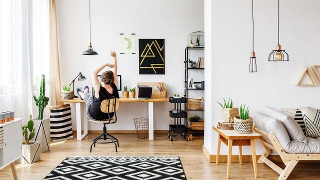 Tạo một chút áp lực để bản thân work from home hiệu quả hơn. Ảnh: Internet
