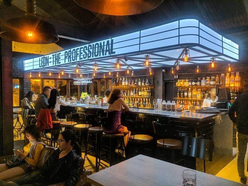 """""""Chill"""" tại các quán bar/ pub. Hình: Sưu tầm"""