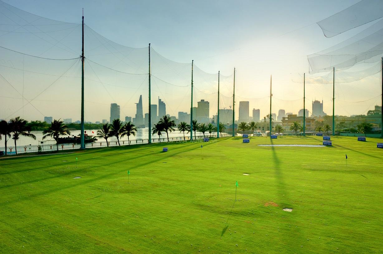 Sân golf Him Lam. Hình: Sưu tầm