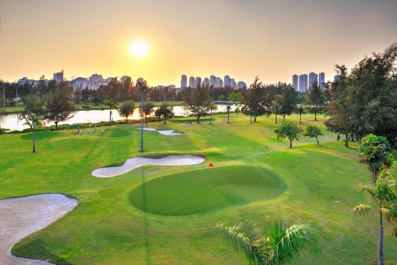 Sân golf Phú Mỹ Hưng. Hình: Sưu tầm