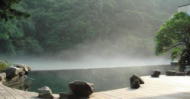 Suối nước nóng nổi tiếng nhất Bản Mòng, Sơn La. Ảnh: Internet