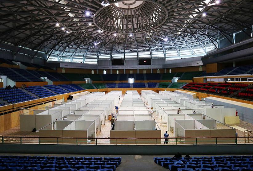 Bệnh viện dã chiến tại Cung thể thao Tiên Sơn (Đà Nẵng)hoàn thiện sau 4 ngày với 700 giường bệnh