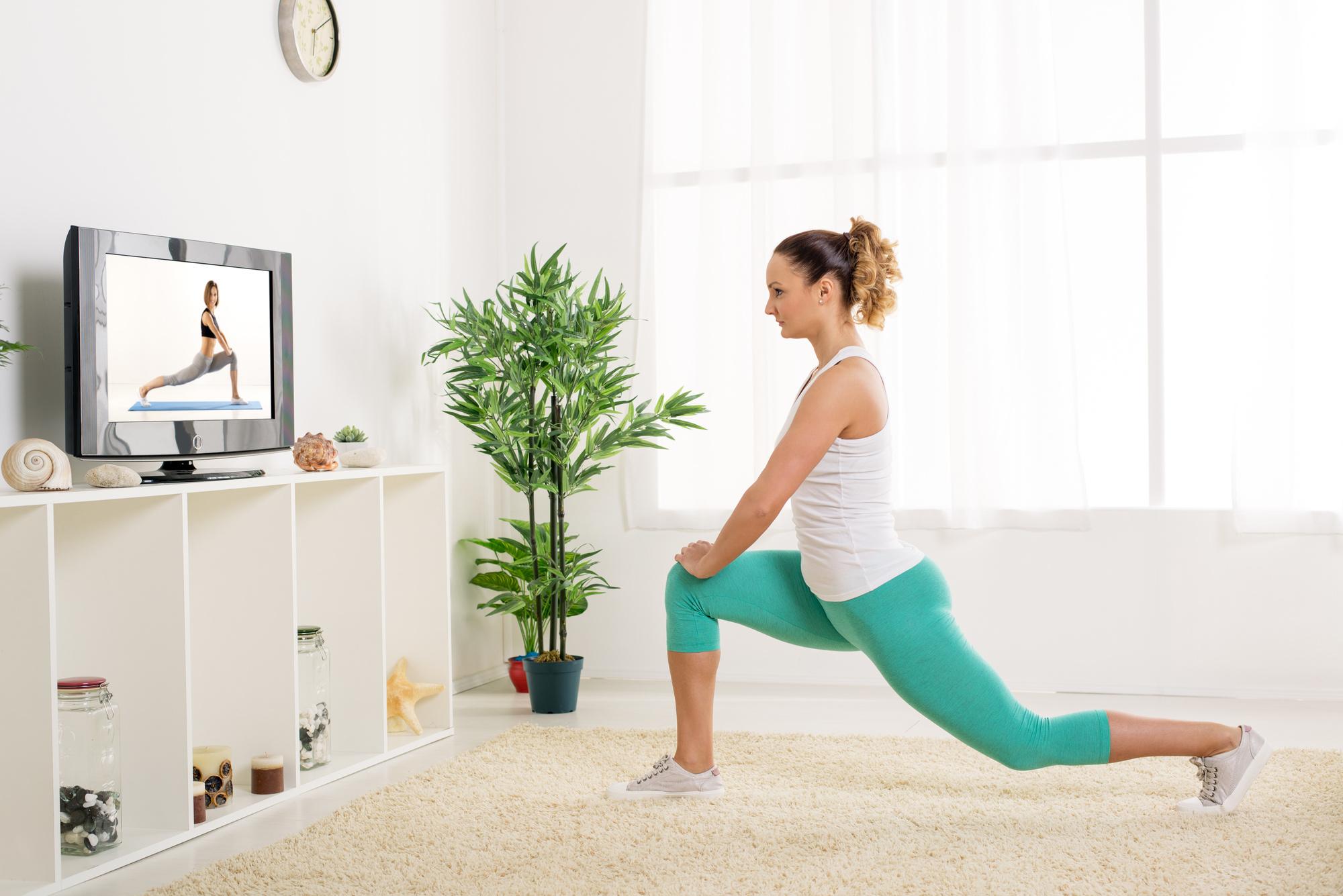 Mẹo giữ cân trong mùa dịch là những bài tập đơn giản