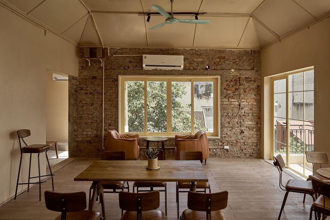 Không gian ấm cúng và đầy chất hoài cổ phương Tây tại Homie Coffee