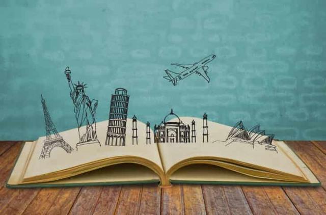 Tạp chí du lịch giúp bạn giải tỏa khát khao đi đó đi đây trong mùa giãn cách. Ảnh: Internet