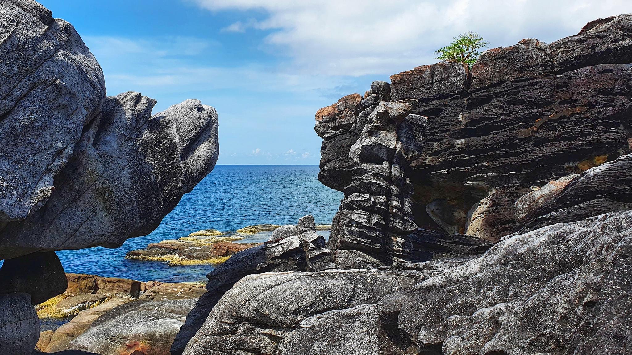 Thiên nhiên hùng vỹ ở đảo Thổ Châu. Hình: Tran Vuong Xuan Phu