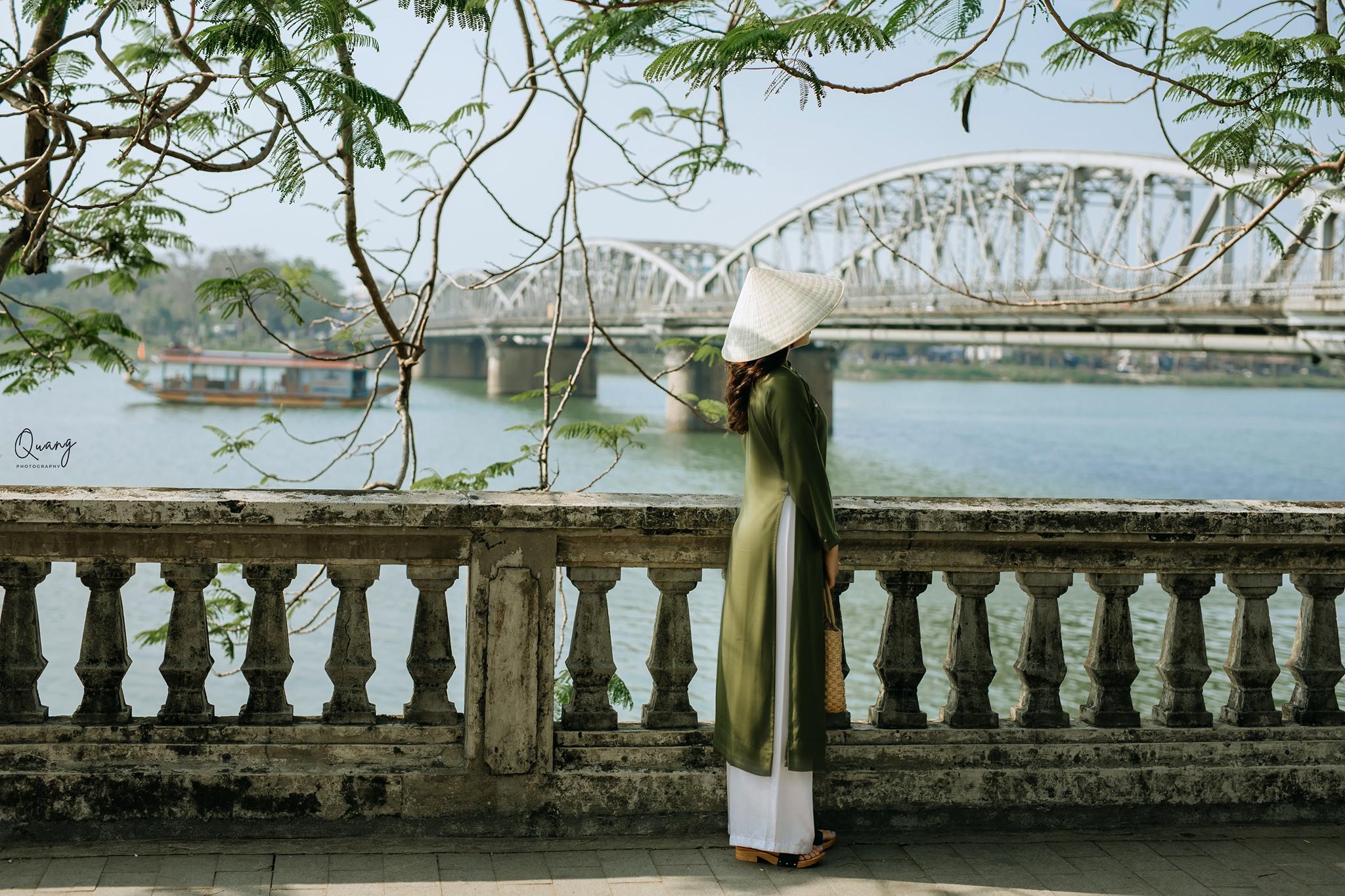 Cầu Trường Tiền - biểu tượng xứ Huế. Hình: Xuân Quang