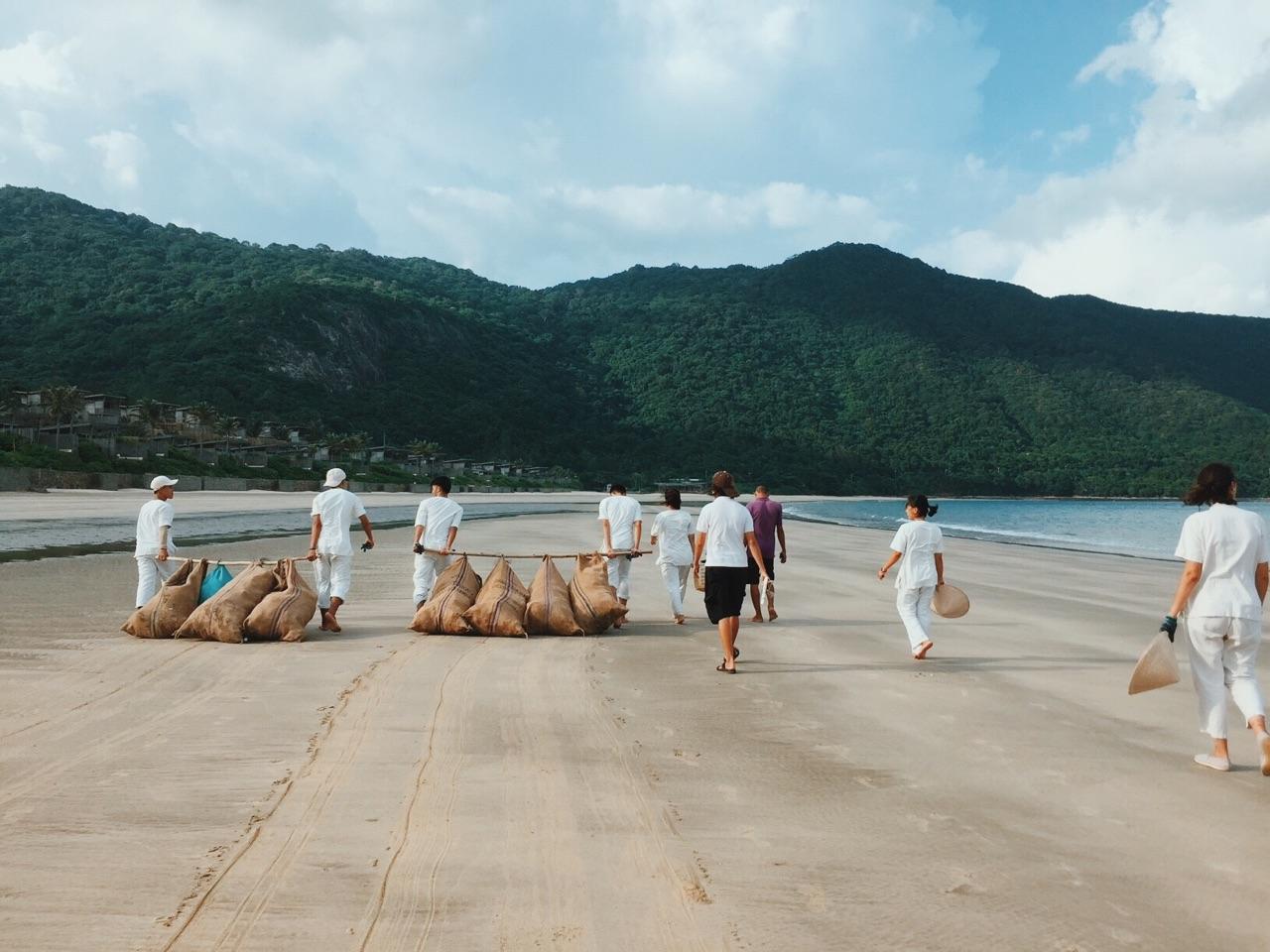 Những hoạt động tích cực của Six Sense Côn Đảo trong việc bảo vệ môi trường biển. Hình: Sưu tầm