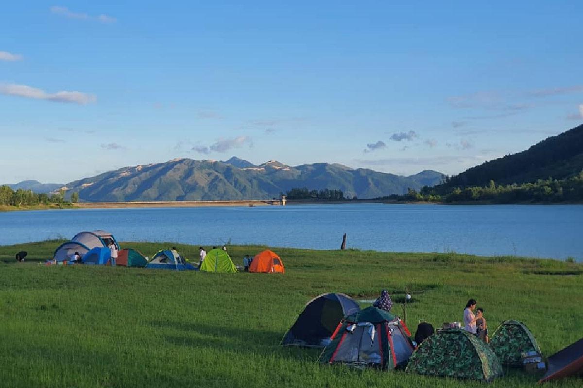 Trải nghiệm cắm trại ở hồ Am Chúa. Hình: Sưu tầm